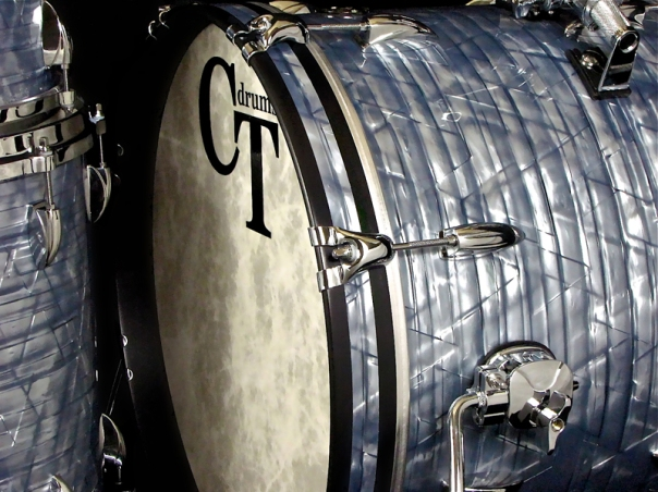3pc vintage maple sky blue pearl inlay up close